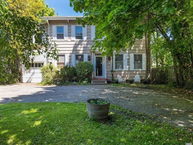 4 BR,  2.50 BTH  Colonial style home in East Rockaway